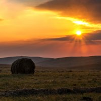 Рассвет на плато Шатджатмаз :: Александр Хорошилов