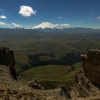Вид на Эльбрус с плато Канжол :: Александр Хорошилов