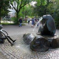 "Фонтан ""Мальчик и морж"" :: Nina Yudicheva"