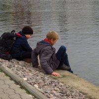 Интересно, а почему вода мокрая? :: Андрей Лукьянов