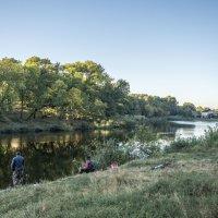 Ростов, красивый пруд :: Лариса Батурова