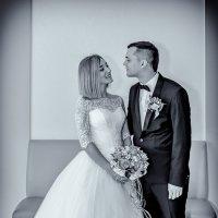 Жених и невеста перед регистрацией :: Николай Ефремов