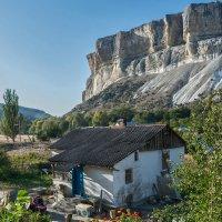 Капуста, дом, скалы :: Игорь Кузьмин