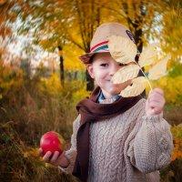Осень в городе (парк2) :: Ольга Егорова