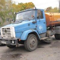 Поливомоечный автомобиль :: Дмитрий Никитин