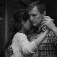 Нежный танец :: Владимир Ненартонис