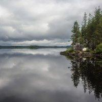 Остров и озеро. :: Sven Rok
