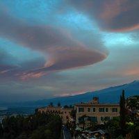Закат с вулканом.. :: Виктор Льготин