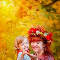 Краски осени (божья коровка) :: Ольга Егорова