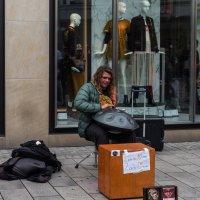 Уличный музыкант :: Witalij Loewin