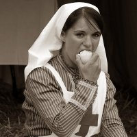 ... голод не тетка ... :: Дмитрий Иншин