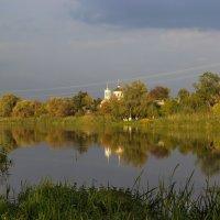 Осенний вечер на реке. :: Валентина Домашкина