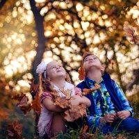 Только в детстве мы умеем быть счастливыми...Просто так!))) :: Ксения Довгопол