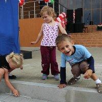 ... местная детвора ... :: Дмитрий Иншин