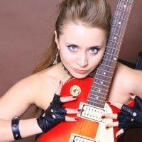 Портрет с гитарой :: Компания БизнесФото