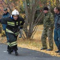 Пожарный на соревнованиях :: Юлия Уткина