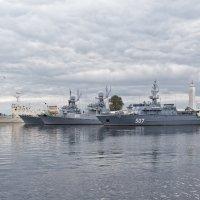 Корабли постоят и ложатся на курс... :: Константин Косов
