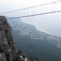 Подвесной мостик на Ай-Петри :: Павел Н