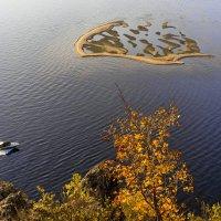 Островок на Волге :: Алексей Головин