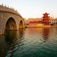 Провинциальный Китайский город. :: Евгений Подложнюк