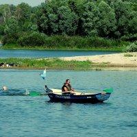 весельная лодка - спасатель :: Александр Прокудин