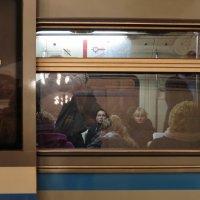 (Только не прислоняться) метрогрусть 5 :: Михаил Зобов