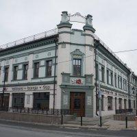 Знаменитый дом купца Заусайлова на улице Баумана - «Сибирские номера» :: Елена Павлова (Смолова)