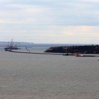 строительство Керченского моста с горы Митридат :: Лидия кутузова