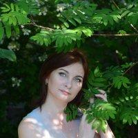 В саду :: Ирина Голубятникова