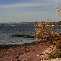 Волга в октябре :: Наталья Крюкова