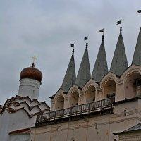 Тихвинский монастырь :: Vladimir Semenchukov