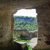 Вид из древнего пещерного комплекса :: Варвара