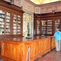 Библиотека дворца Казерты :: Ольга