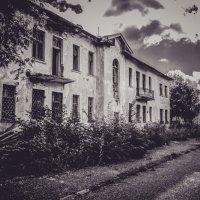 Заброшенный дом :: Вячеслав Баширов