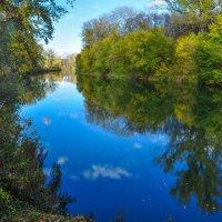 Отражение неба в реке Деме :: Сергей Тагиров