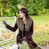 Дама на скамейке. :: Александр Лейкум
