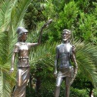"""Скульптура """"Афина, держащая венок над Гераклом"""" :: Наиля"""