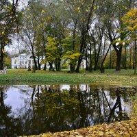 Осень в старинной дворянской усадьбе :: Miola