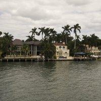 По версии гида, этот дом когда-то принадлежал семье Аль Капоне :: Яков Геллер