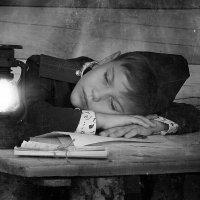 Во сне он дома. :: Natalia Petrenko