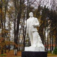 Не волнуйтесь, этот памятник не собираются сносить :: Андрей Лукьянов