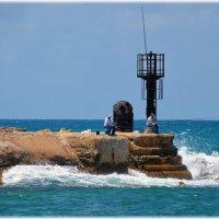 Израиль, Средиземноморское побережье, рыбаки. :: Яков Геллер