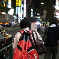 Школьница и рюкзак. Токио. :: Ilona An