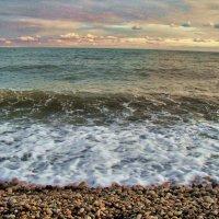 Море в Гудауте :: Елена Строганова
