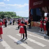 Танцуют пары, пары,  пары... :: Дмитрий Никитин