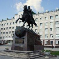 Памятник Оболенскому-Ноготкову :: Елена Павлова (Смолова)