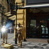 Уличные артисты на улицах Праги :: Лада