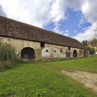 И в замке есть сарайчик, которому 800 лет :: M Marikfoto