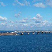 Дамба через реку Днепр. :: Наталья