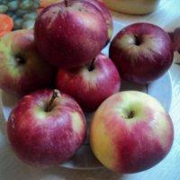 Молодильные яблоки! Подмосковные! :: Ольга Кривых
